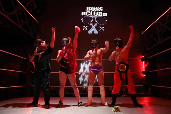 Boss Club pose με Μιχαήλ Καλόψυχο Ερμή Ninja